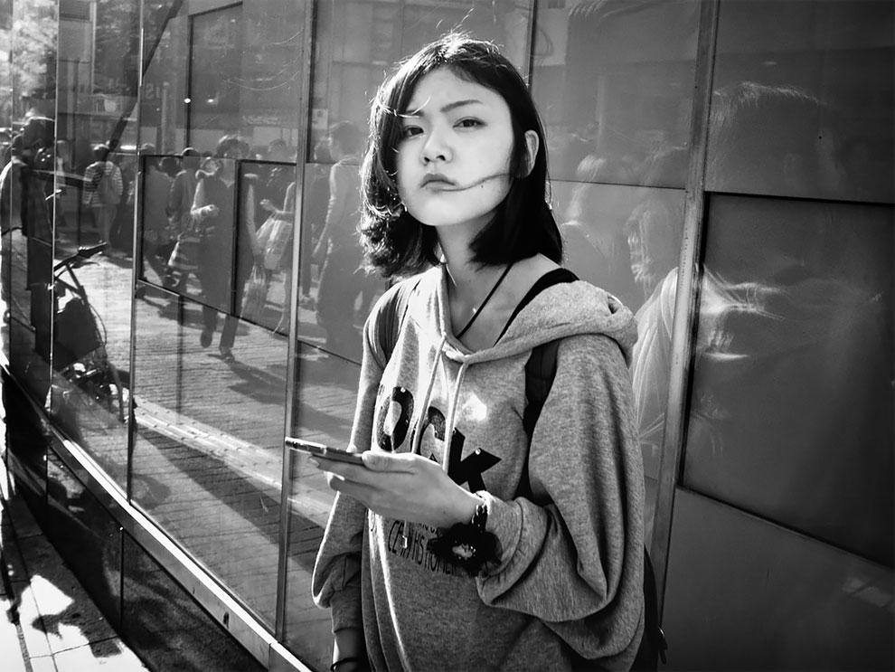 1576065331_202_Photographer-Tatsuo-Suzuki-Captures-Fascinating-Black-And-White-Images-Of.jpg