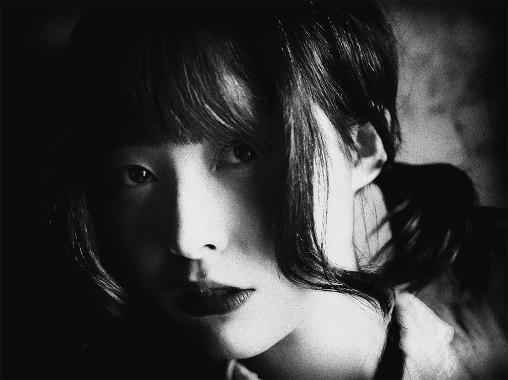 1576065332_670_Photographer-Tatsuo-Suzuki-Captures-Fascinating-Black-And-White-Images-Of.jpg