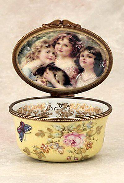 243fc320e7542f7d9452bafdd7aefe88--vintage-porcelain-limoges-porcelain.jpg