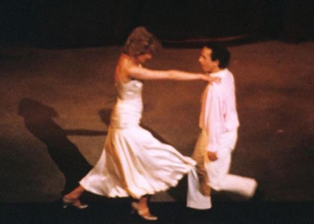 princess-diana-wayne-sleep-dancing-11.jpg