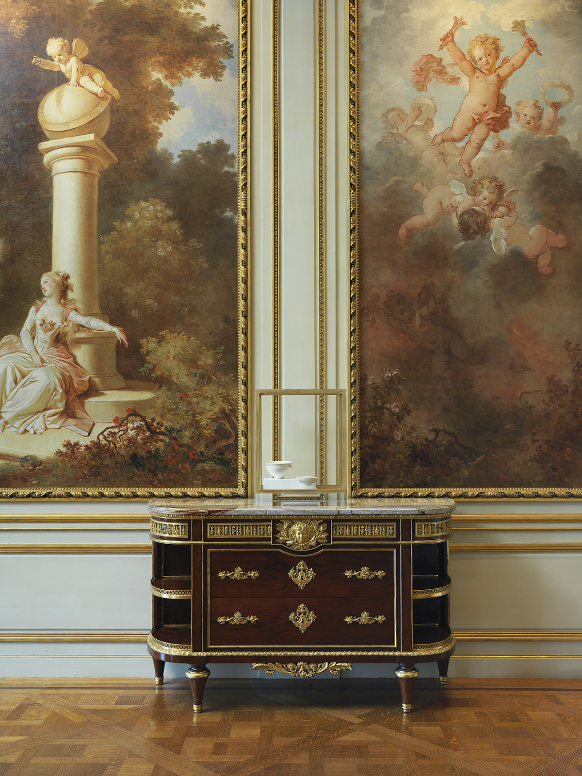 Fragonard-Roon-view-02-without-chair.jpg