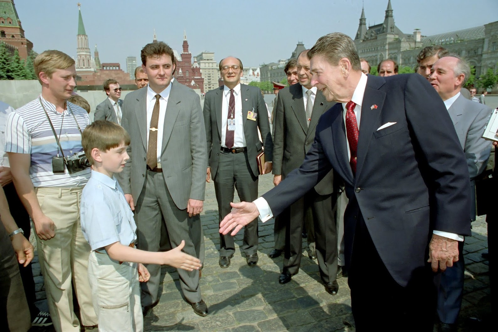 reagan-meeting-putin-souza-photo (1).jpg