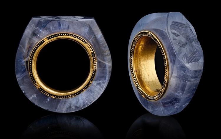 sapphire-caligula-ring-3.jpg