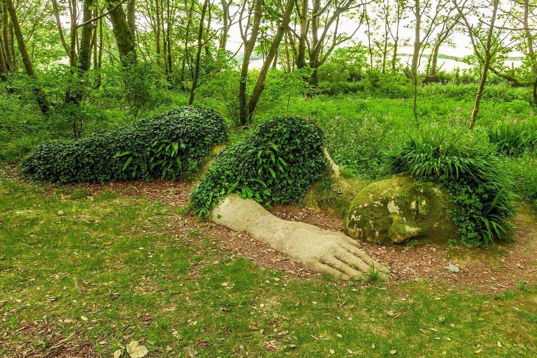 lost-gardens-hligan-body.jpg