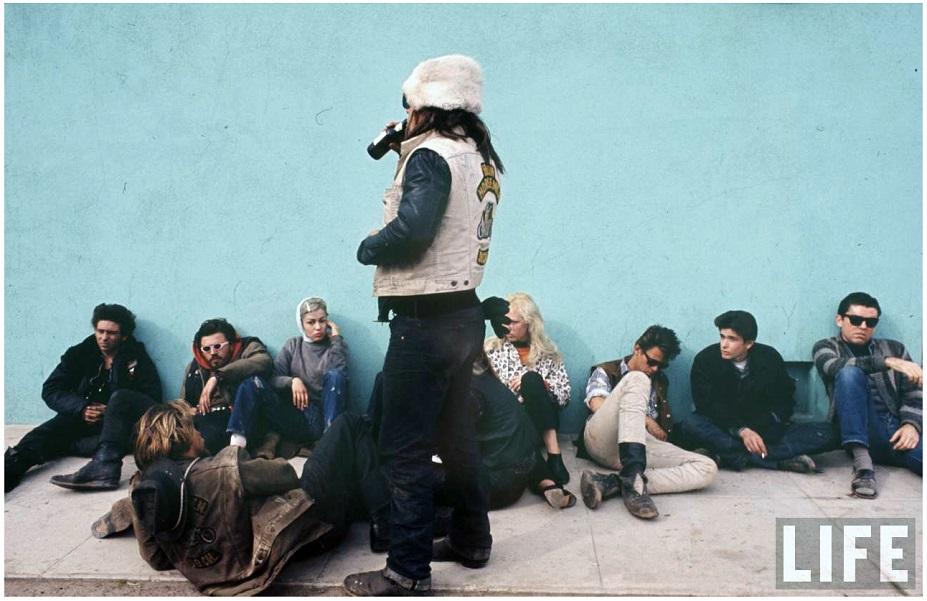 life-hells-angels_photo-bill-ray-1965-group-seat-c2.jpeg