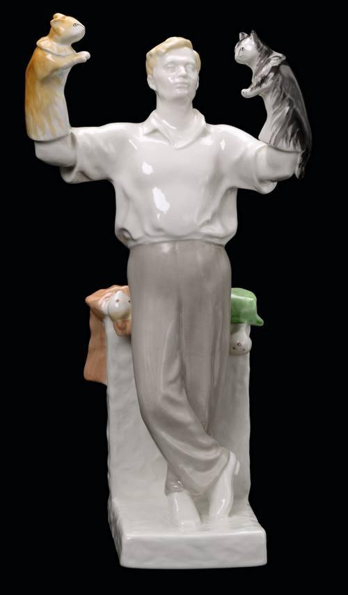 Кукловод Сергей Образцов со своими экзотическими куклами (1).jpg