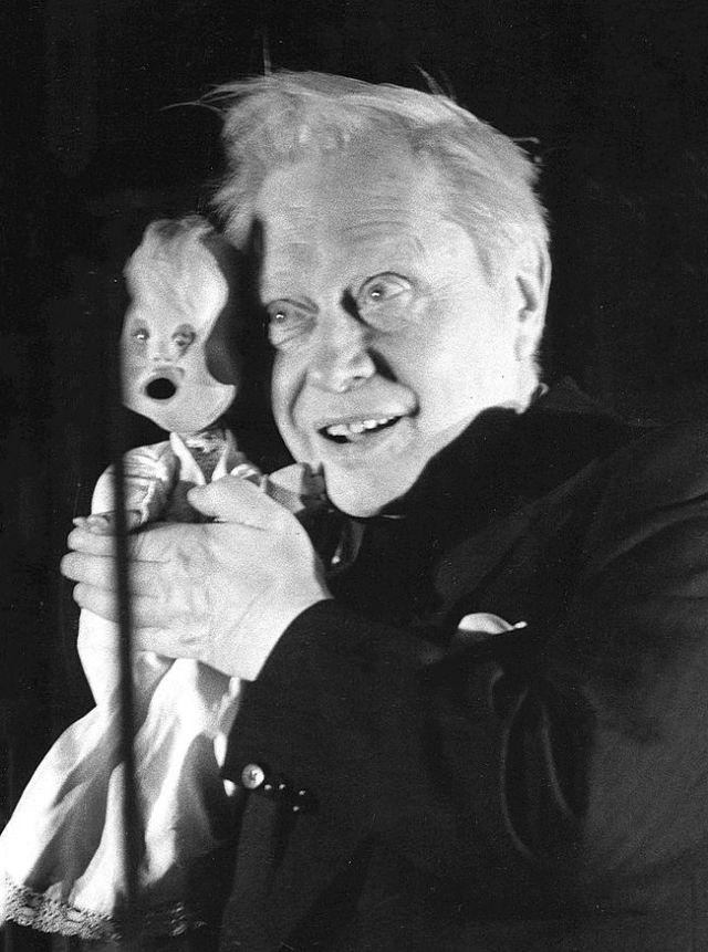 Кукловод Сергей Образцов со своими экзотическими куклами (10).jpg