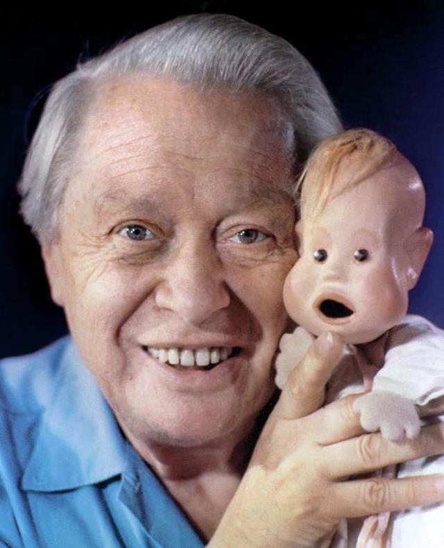Кукловод Сергей Образцов со своими экзотическими куклами (12).jpg