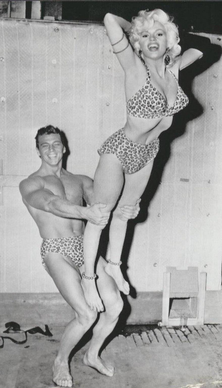 880px-Jayne_Mansfield_and_Mickey_Hargitay_1956.jpg