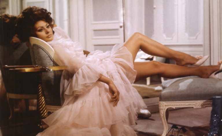 Сексуальная привлекательность — это 50% того, что у тебя есть, и 50%, что о Annex-Loren-Sophia-Arabesque_01-768x470.jpg