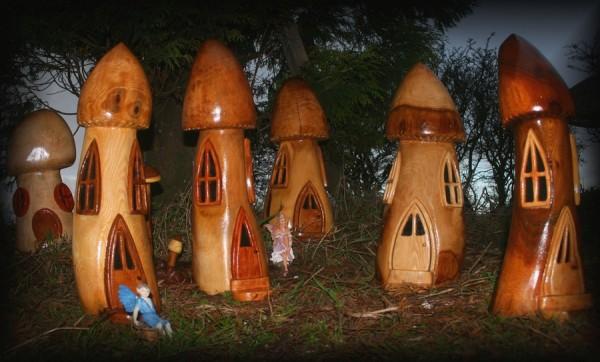 грибные-домики-из-дерева-1-600x362