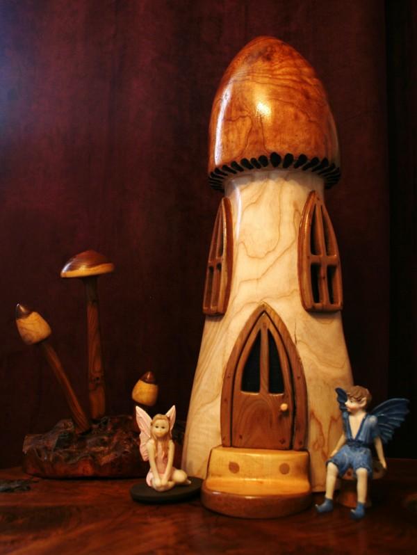 грибные-домики-из-дерева-7-600x798