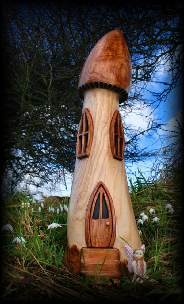 грибные-домики-из-дерева-8-600x992
