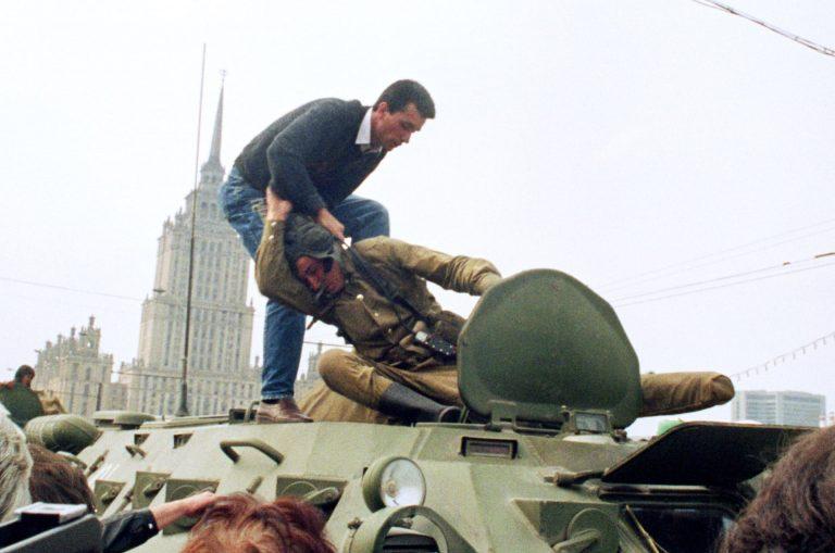 Распад Советского Союза в картинках (20).jpg