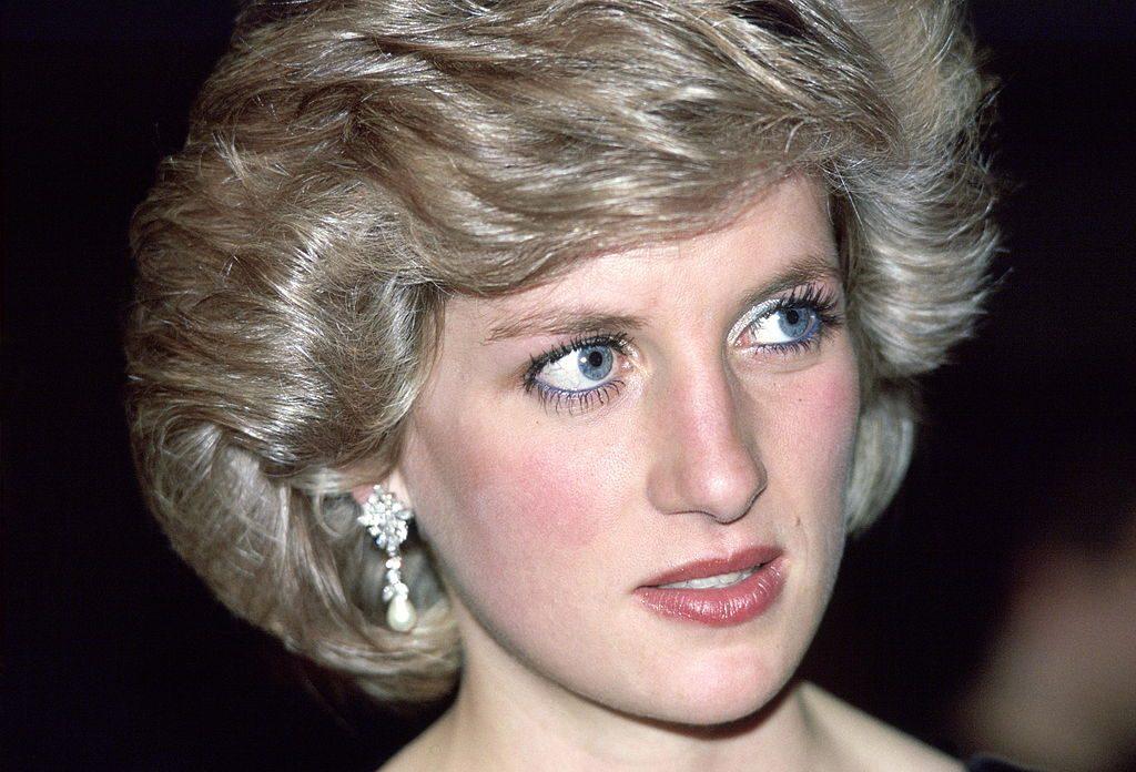 Имена римских богинь: 6 исторических имен и их история Princess-Diana-2-2-1024x696.jpg