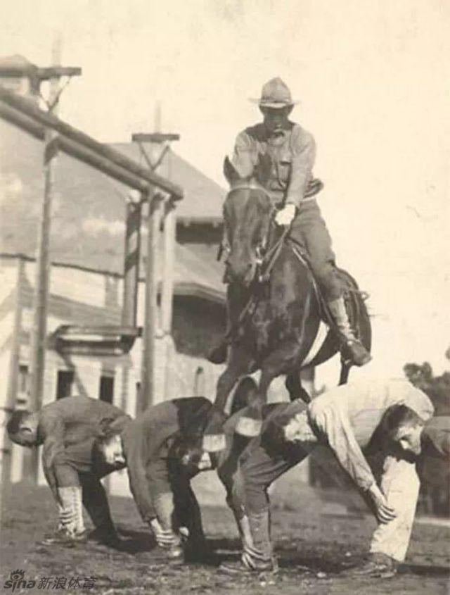 1930s-cavalry-training-3.jpg