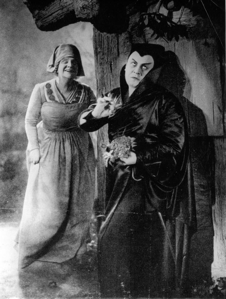 Анри де Тулуз-Лотрек , Черные перчатки Иветты Гильбер  (9).jpg