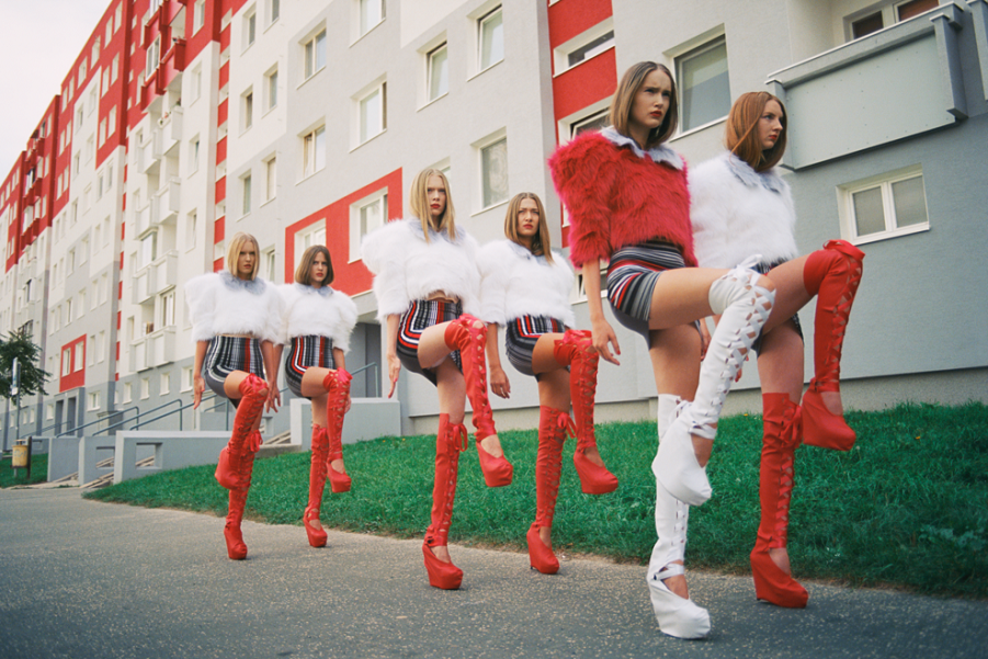 Чешский фотограф Михал Пуделка девочки, девочки, девочки (1).png