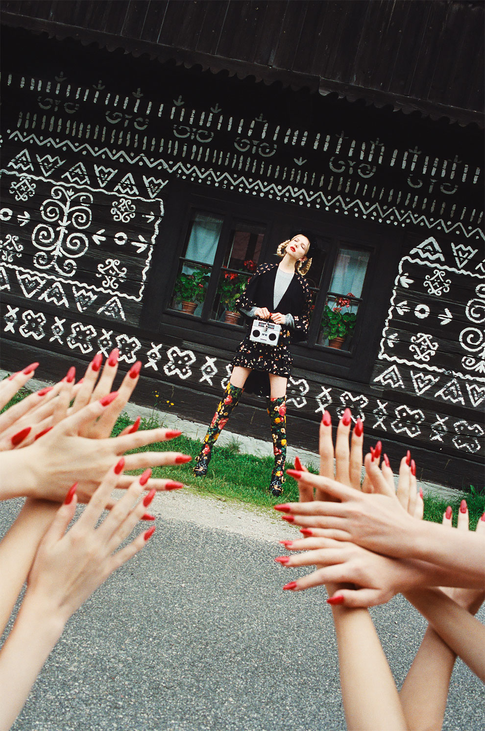 Чешский фотограф Михал Пуделка девочки, девочки, девочки (2).jpg