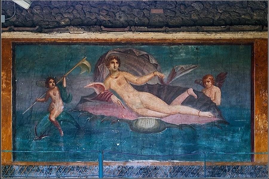 ! Aphrodite_Anadyomene_from_Pompeii.jpg