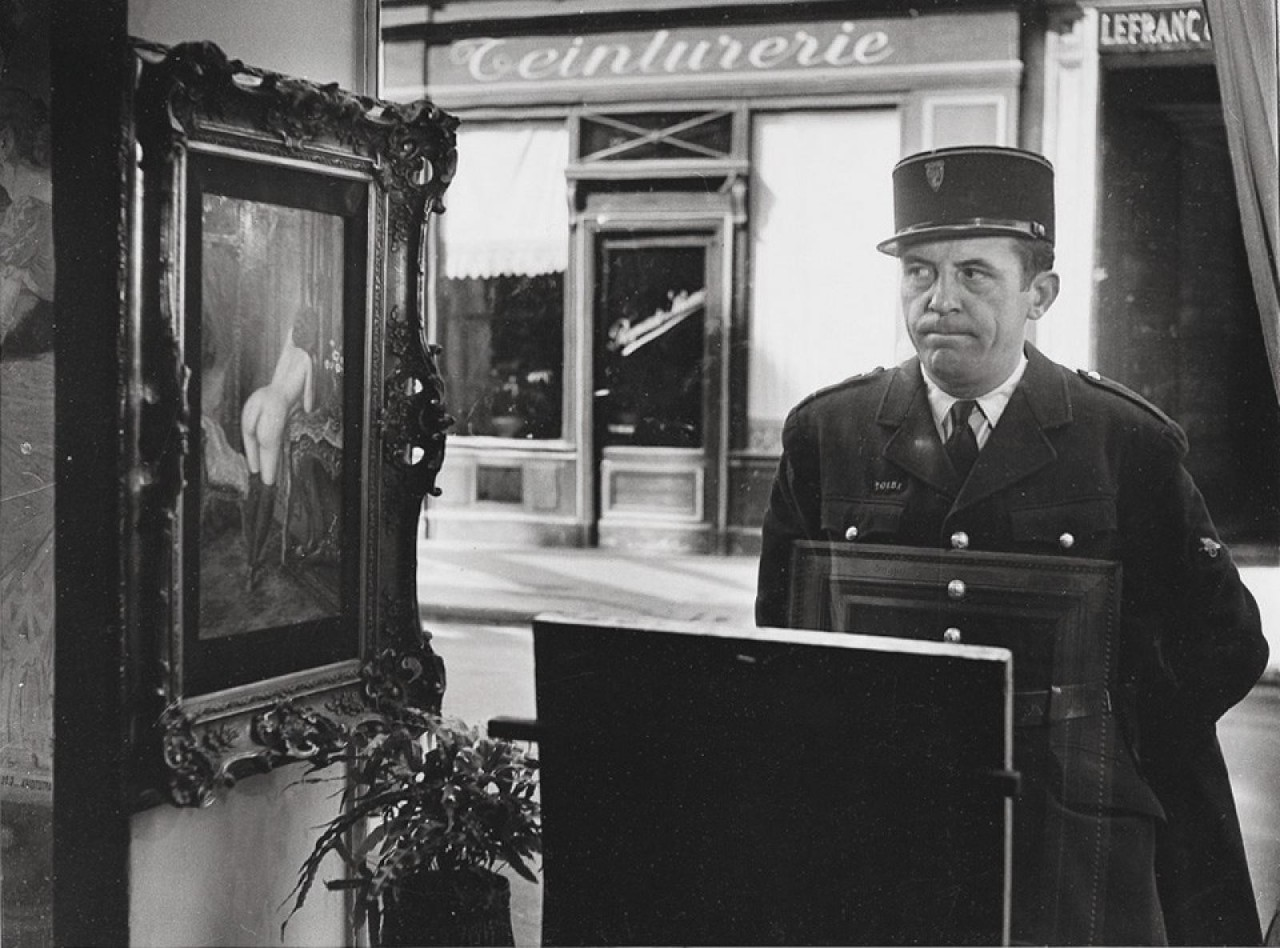 kosoj-vzglyad-galereya-romi-v-parizhe-1948-fotograf-rober-duano_large.jpg