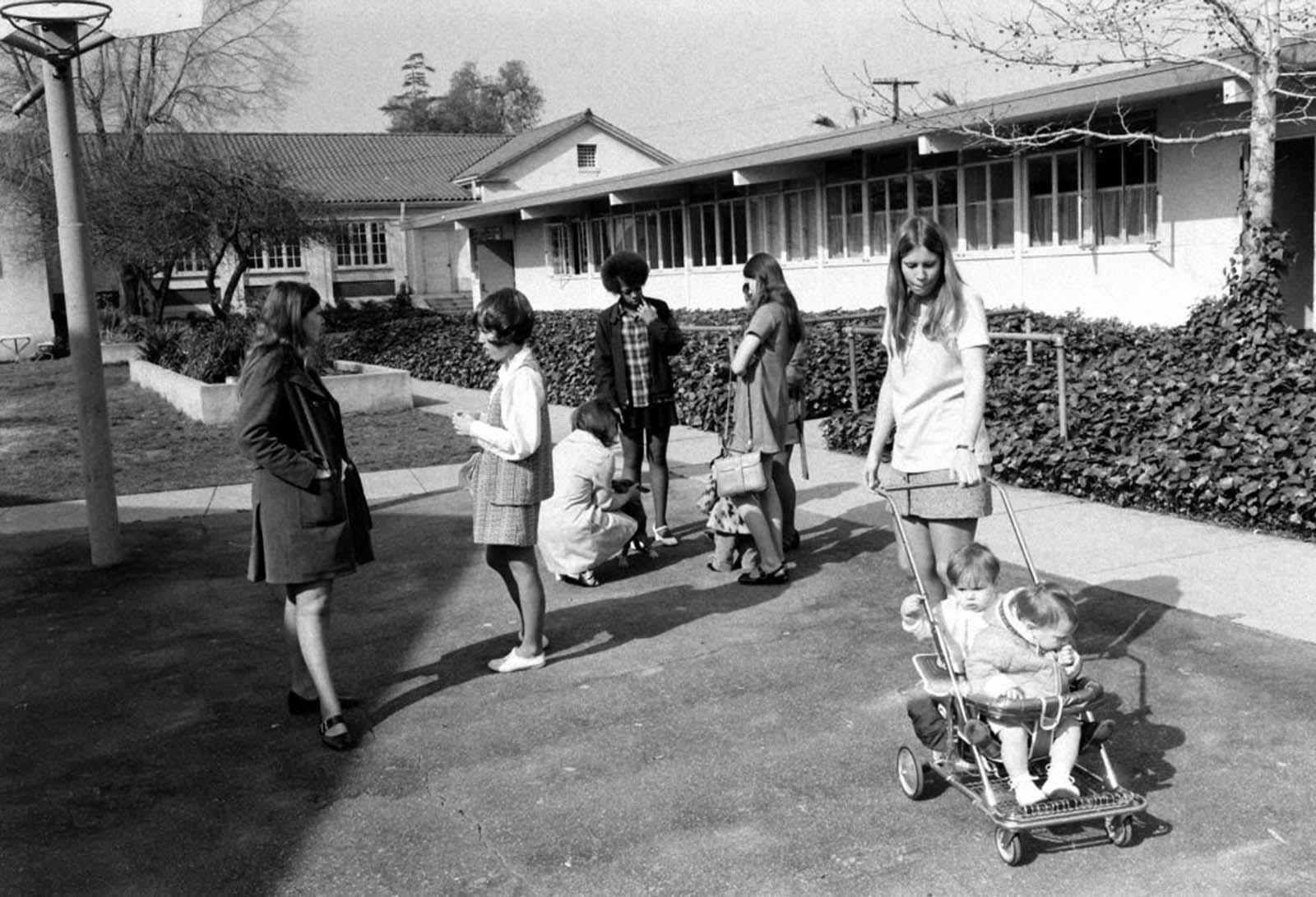 teen_pregnancy_1970s (6).jpg
