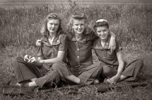 1940s-teenage-girls-9.jpg