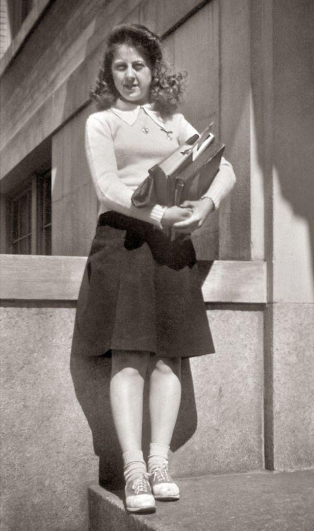 1940s-teenage-girls-14.jpg