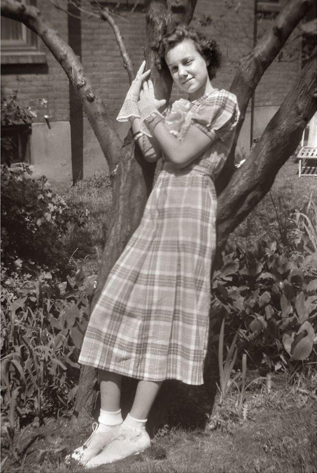 1940s-teenage-girls-19.jpg