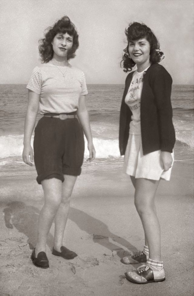1940s-teenage-girls-24.jpg