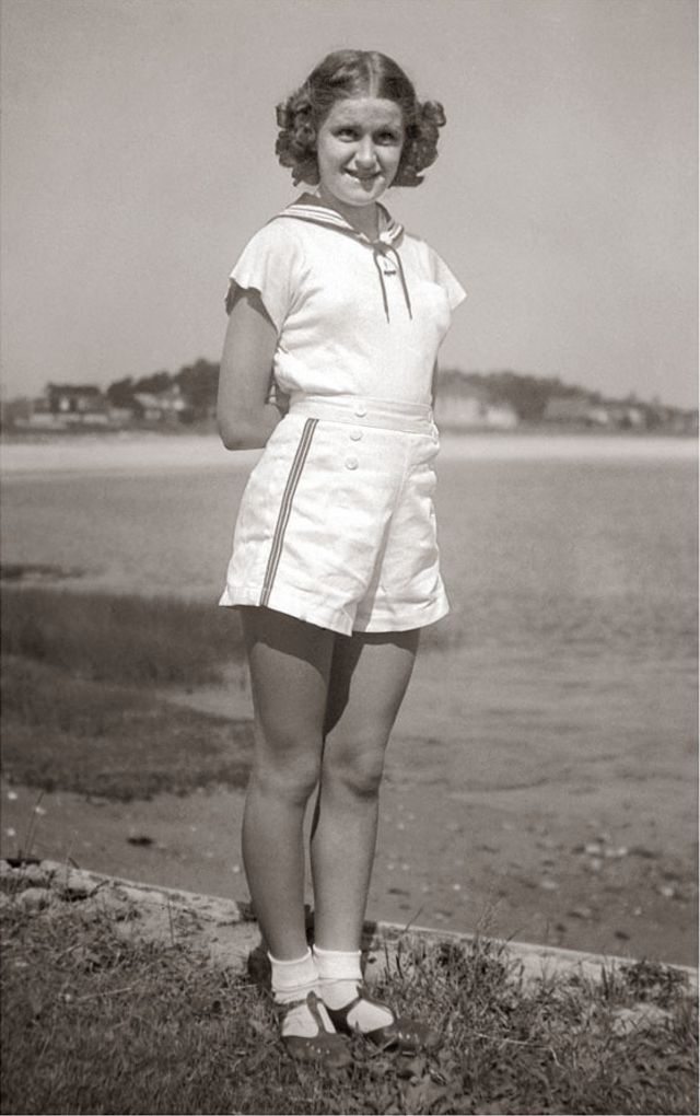 1940s-teenage-girls-25.jpg