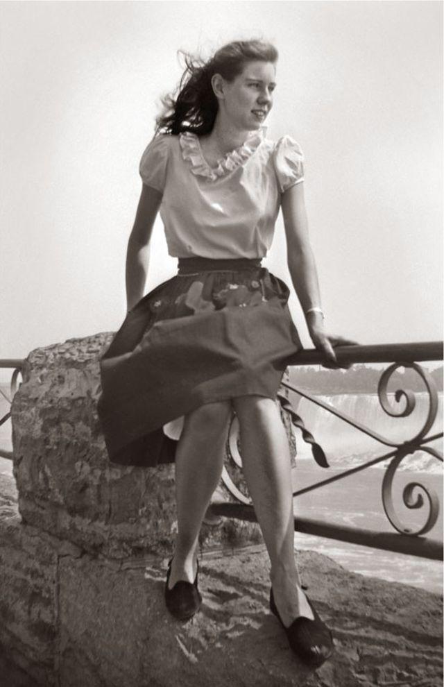 1940s-teenage-girls-28.jpg