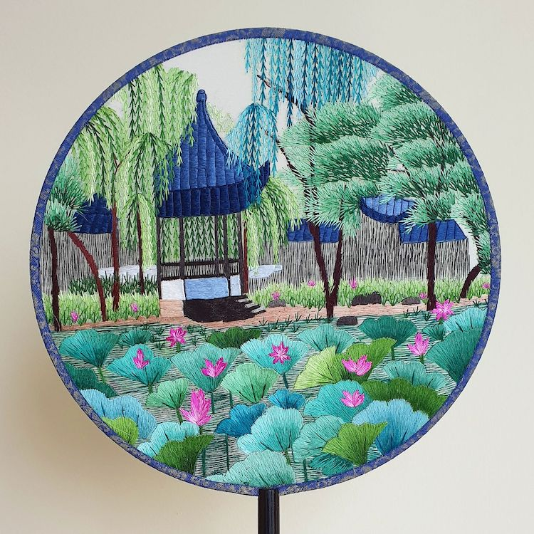 embroidered-chinese-silk-fans-1.jpg