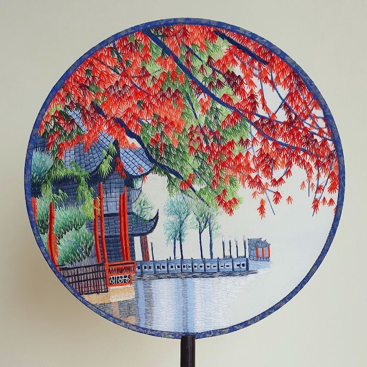 embroidered-chinese-silk-fans-2.jpg