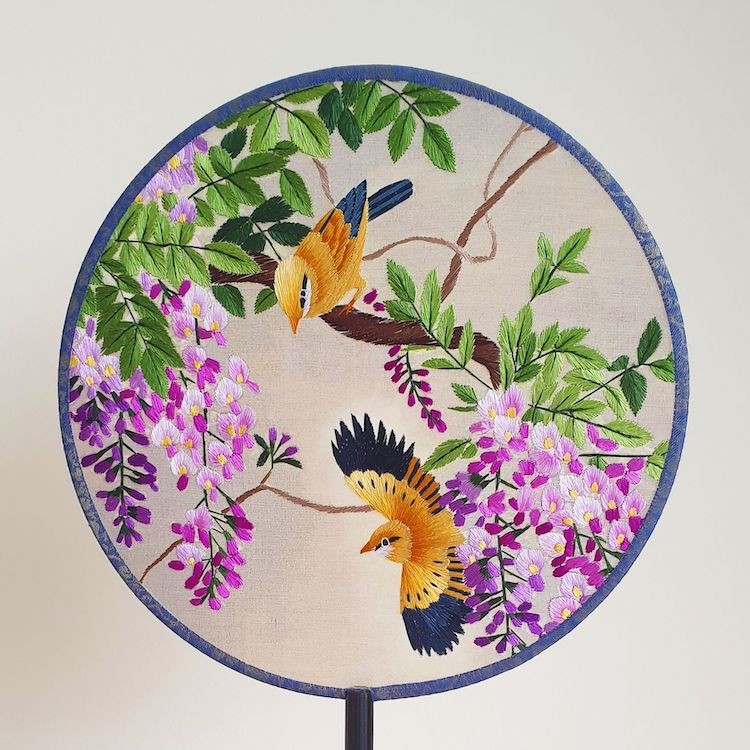embroidered-chinese-silk-fans-4.jpg