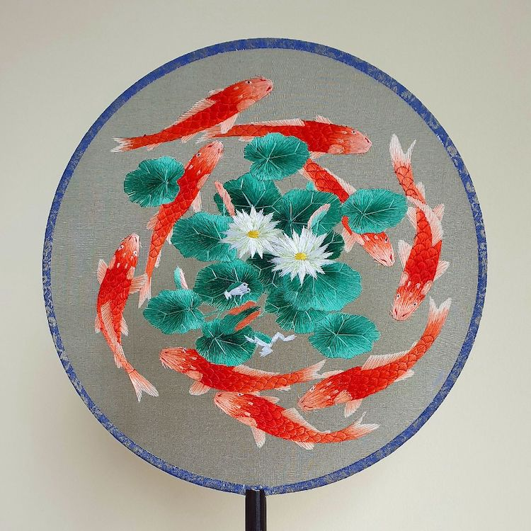 embroidered-chinese-silk-fans-6.jpg
