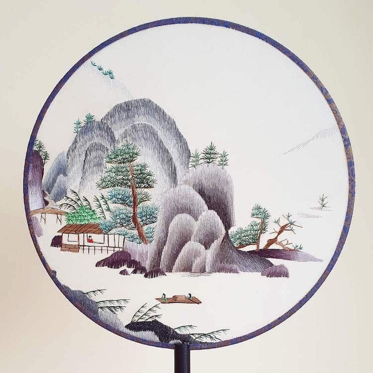 embroidered-chinese-silk-fans-14.jpg