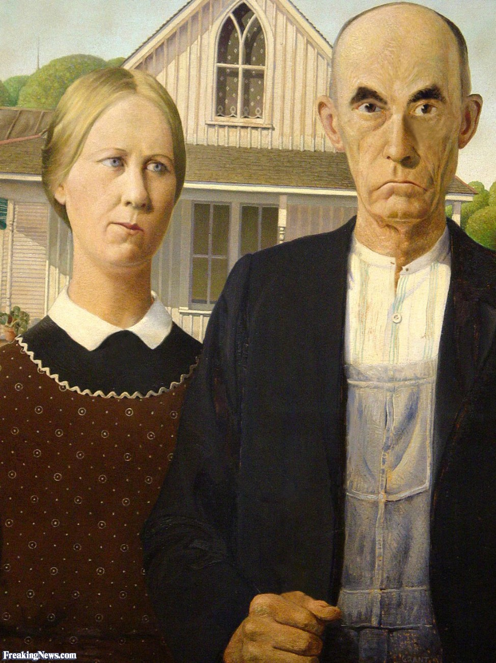 Stolen-Pitchfork-and-Glasses-From-American-Gothic-Painting-102248.jpg
