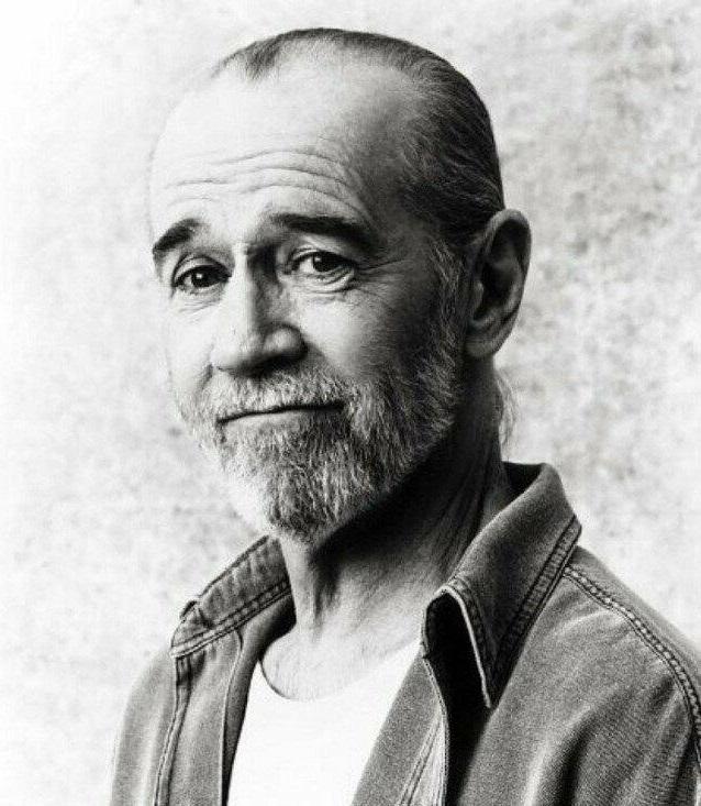 знаменитый комик, актёр и писатель Джордж Карлин.jpg