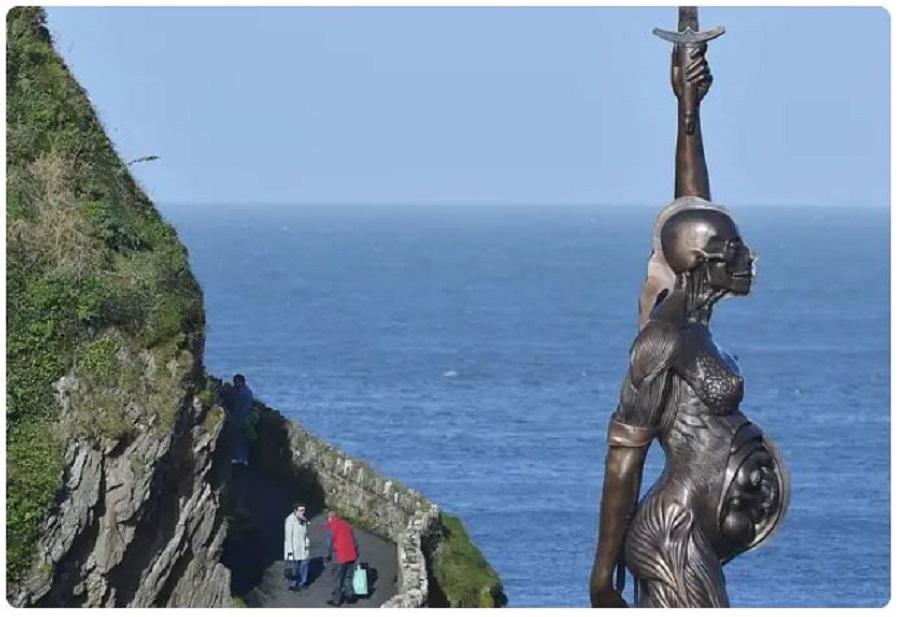 скульптура работы Дэмиена Хёрста. (4).JPG
