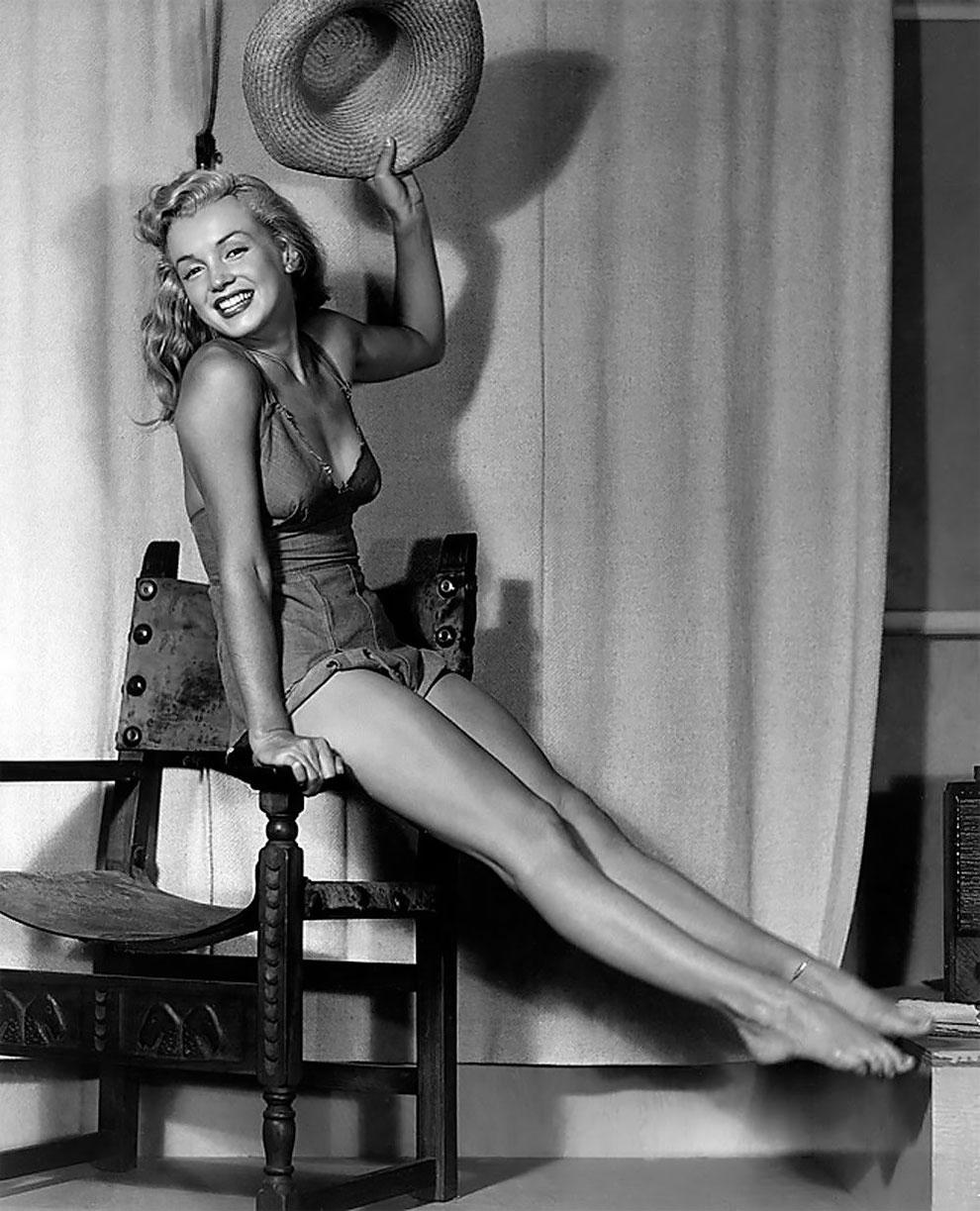 Когда Мэрилин Монро позировала Эрлу Морану  (18).JPG