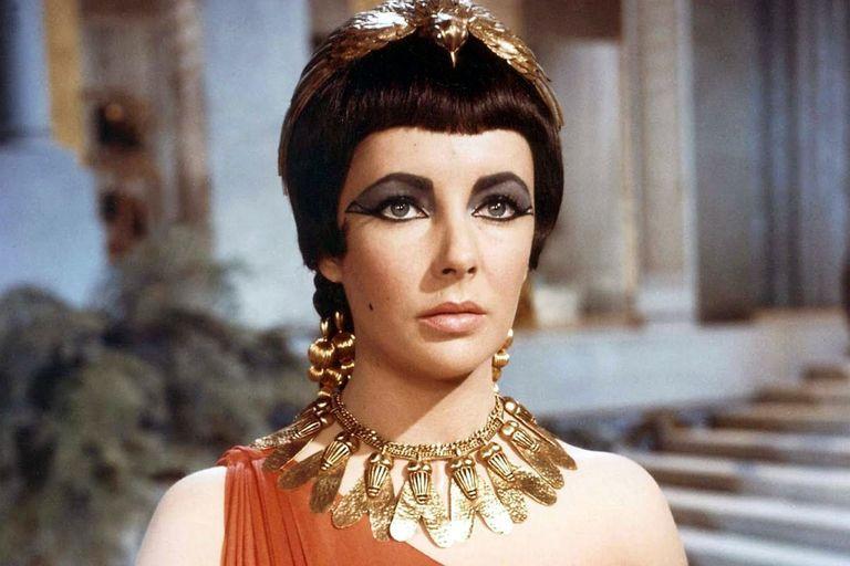 LizTaylorCleopatra.0_12182019_284-768w.jpg