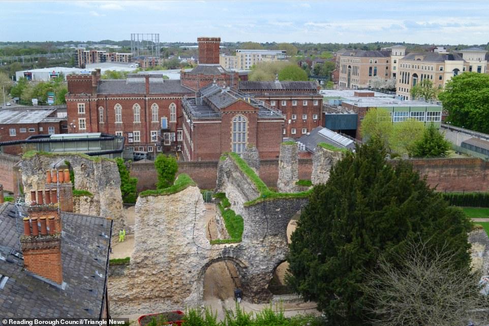 37717462-9312045-The_sale_of_the_Grade_II_listed_Victorian_jail_where_Oscar_Wilde-a-5_1614619818409.jpg