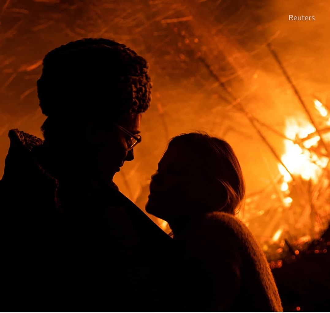 на Масленицу сожгли «Коронавирусный огрский замок» (7).jpg