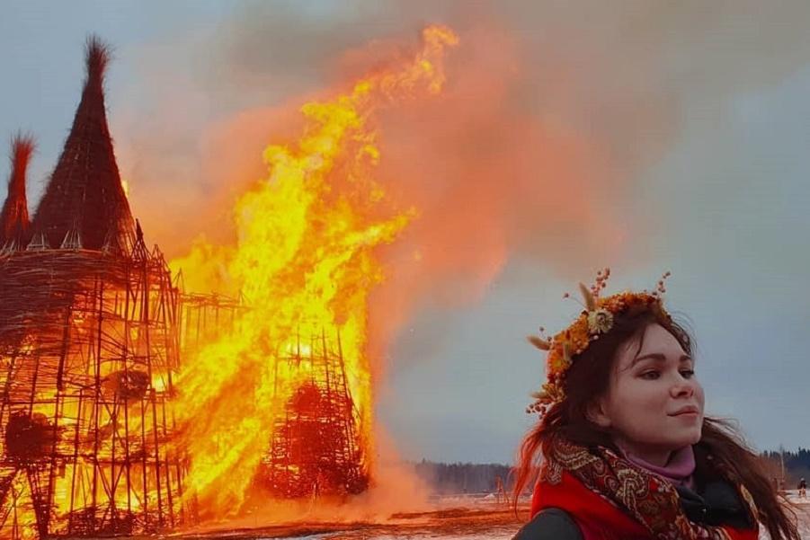 на Масленицу сожгли «Коронавирусный огрский замок» (11).jpg