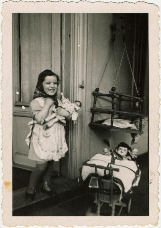 Они не успели наиграться в куклы (1).jpg
