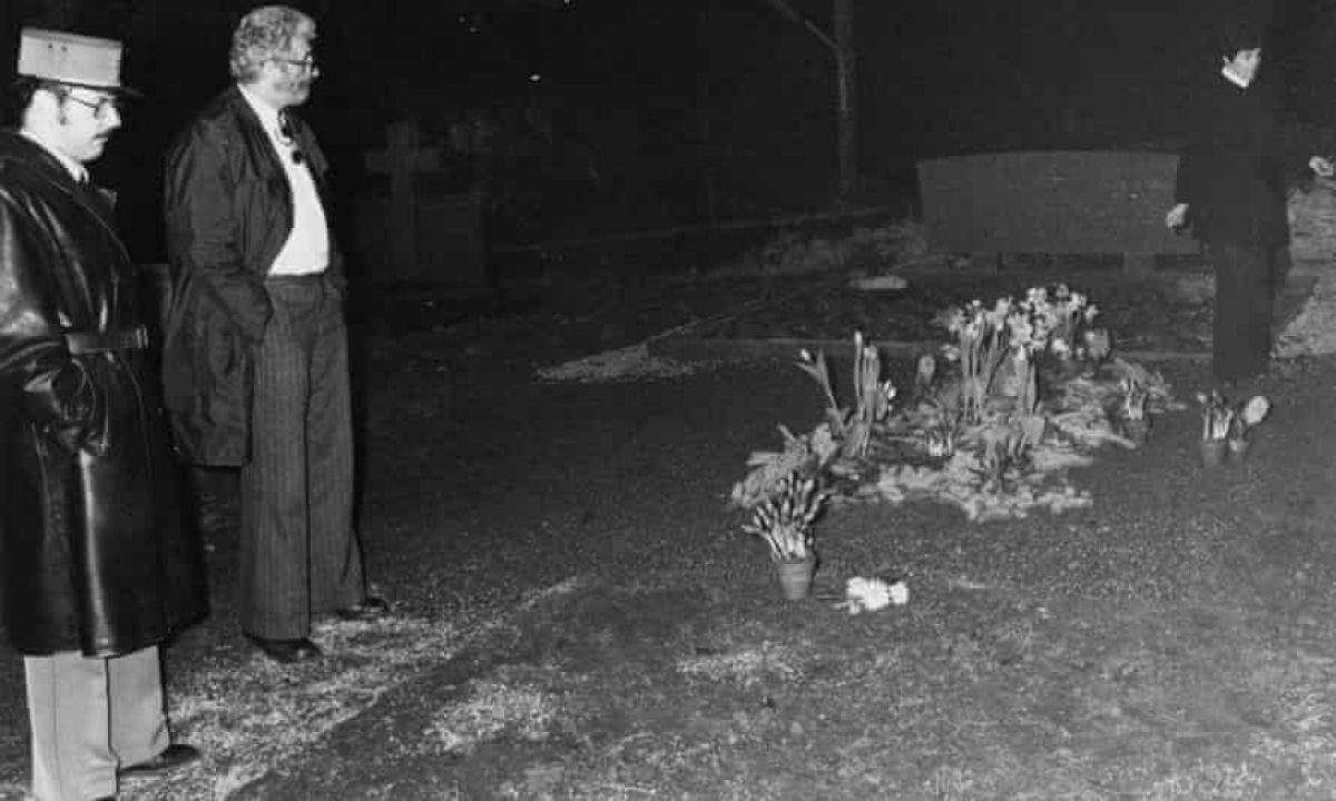 Его останки были обнаружены швейцарской полицией 17 мая 1978 года. Два восточноевропейских политических беженца признались в преступлении. Они расска…