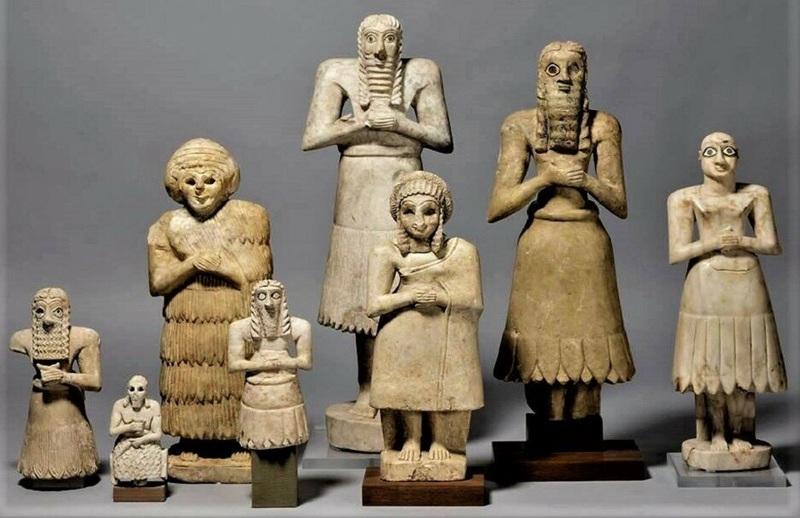 Шумерские статуи из храма Эшнунна (1).JPG
