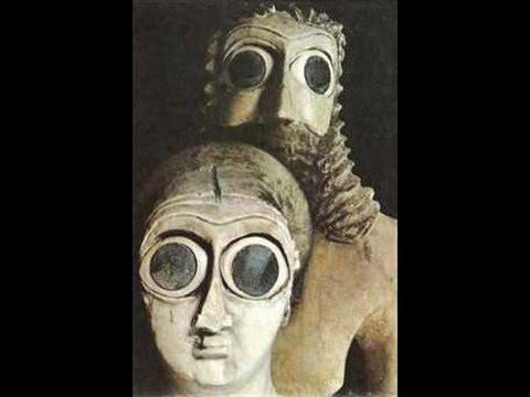 Шумерские статуи из храма Эшнунна (2).jpg
