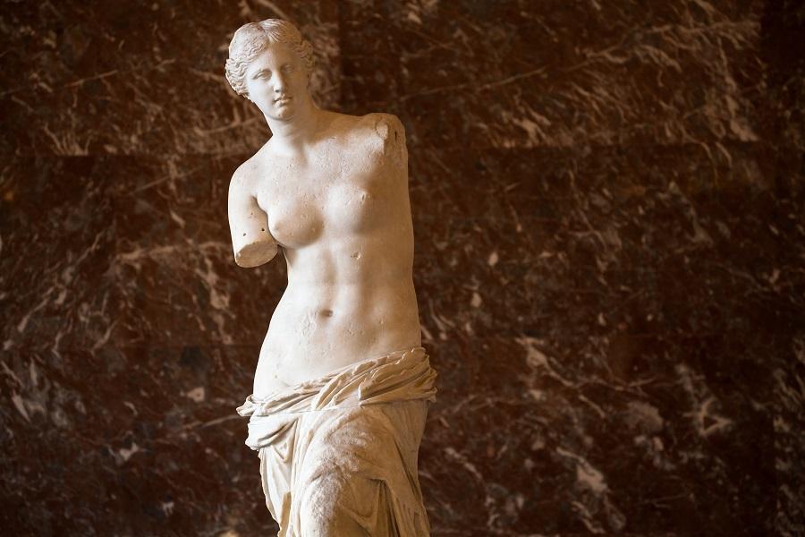 Venus_de_Milo,_Louvre_17_January_2017.jpg